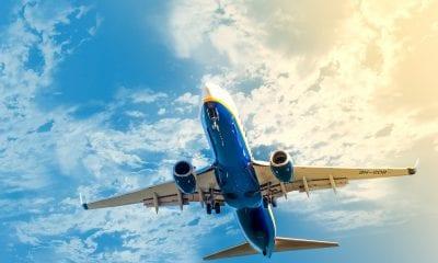 Voo avião
