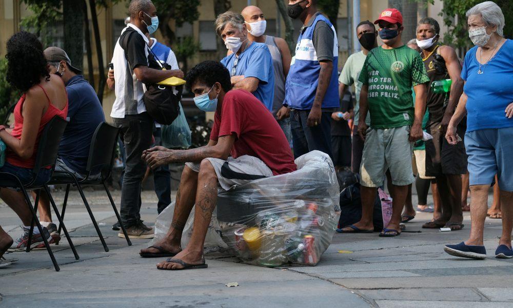 Estudo revela que cidades com 'comorbidades sociais' sofrem mais com pandemia