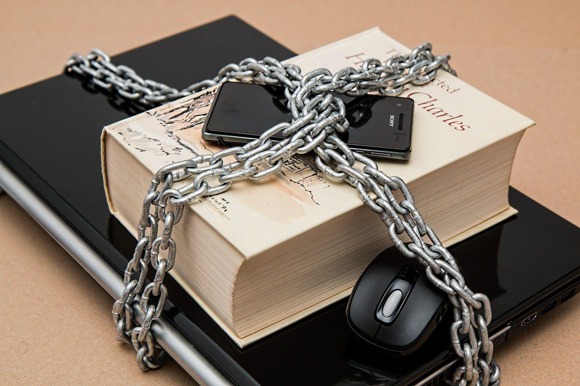Entenda o bloqueio de CPFs pela bolsa (Imagem: Pixabay)
